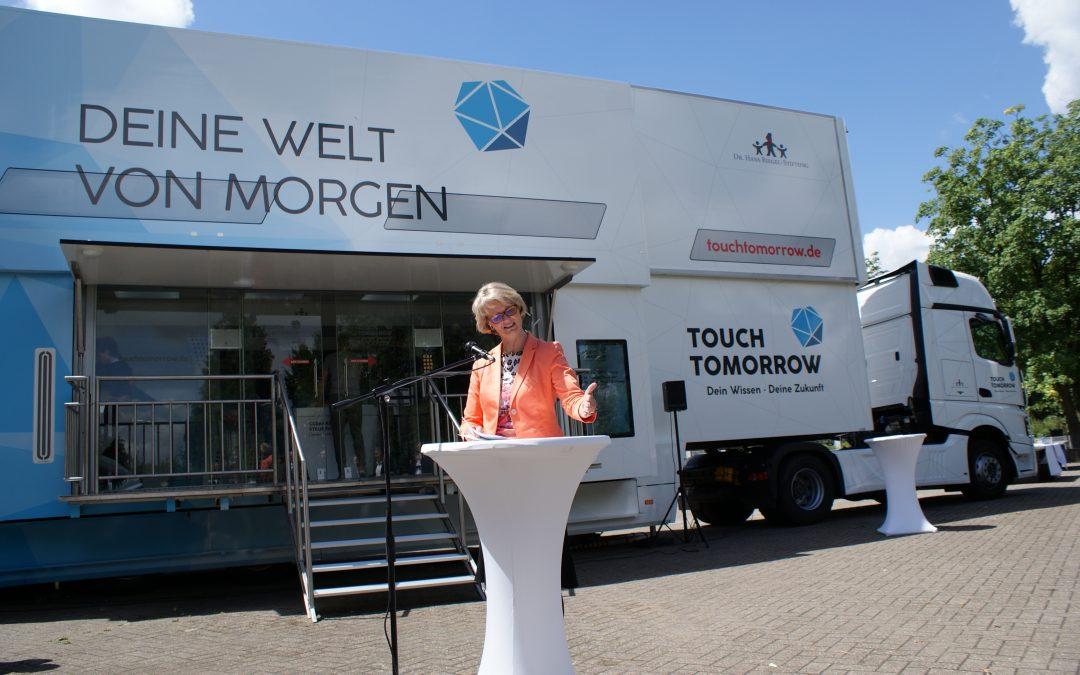 TouchTomorrow-Truck besucht das Archi